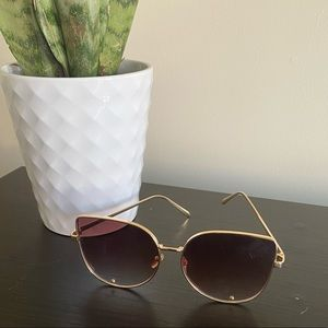 {preloved} Oversized Gold Fashion Sunnies